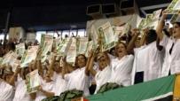 7-mayo_medicos-cubanos-con-diploma