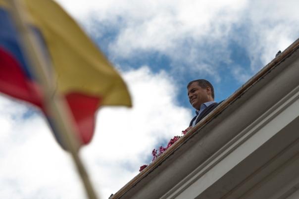 Apoyo a Correa