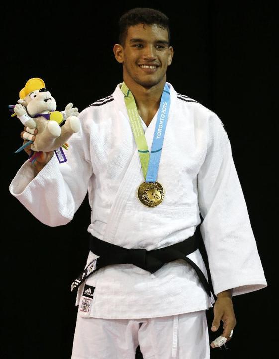 El judoca Magdiel Estrada ganador de los 73 kg