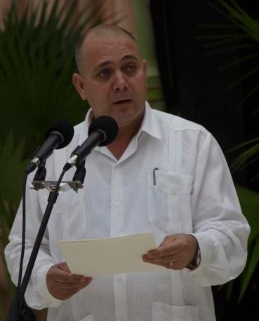 Ministro de salud cubano Roberto Morales