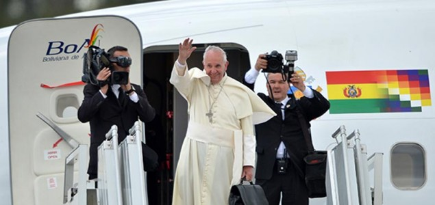 Papa Francisco termina visita en Ecuador