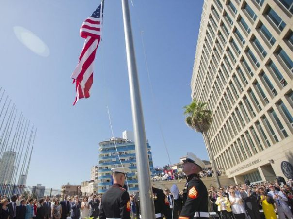 Izan-bandera-EEUU-Cuba_4729455