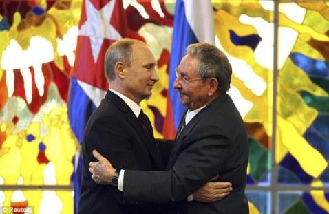 Raúl Castro y Vladimir Putin