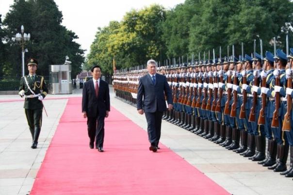 Díaz Canel en China