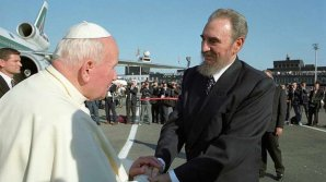 Fidel Castro recibió al Papa Juan Pablo II