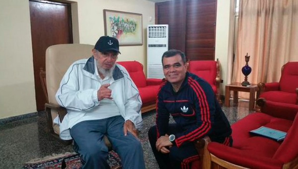 Fidel Castro y Vladimir Padrino López 1