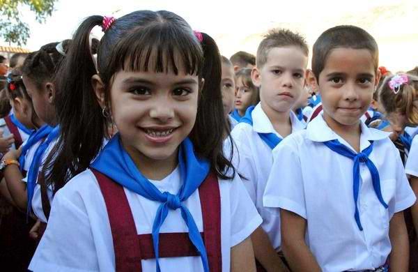 Inicia curso escolar en Cuba