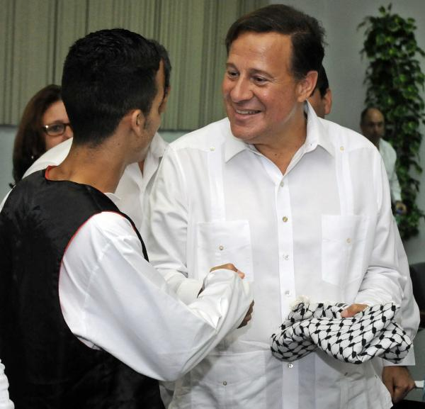 Juan Carlos  Varela en la ELAM