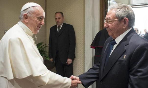Papa Francisco y Raúl Castro