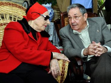 Raúl Castro y Alicia Alonso