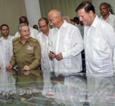 Raúl y Juan Carlos Varela en la ELAM