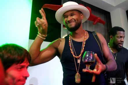 Usher en el Saraos´ Bar de La Habana 2