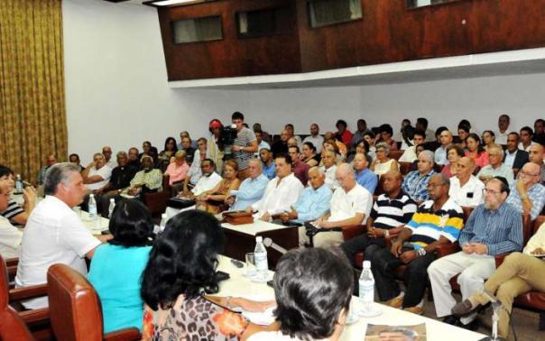 Vicepresidente cubano Díaz Canel y representantes religiosos