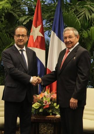Francois Hollande en Cuba junto a Raúl Castro 2015 2