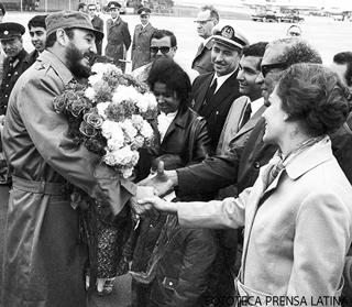 Fidel Castro Ruz, LLegada al Aeropuerto, recorrido por las calles de Berlin.June.1972.Fotos.Rogelio More.PL