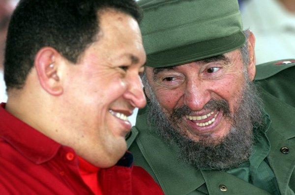 Comnandantes-Chávez-y-Fidel